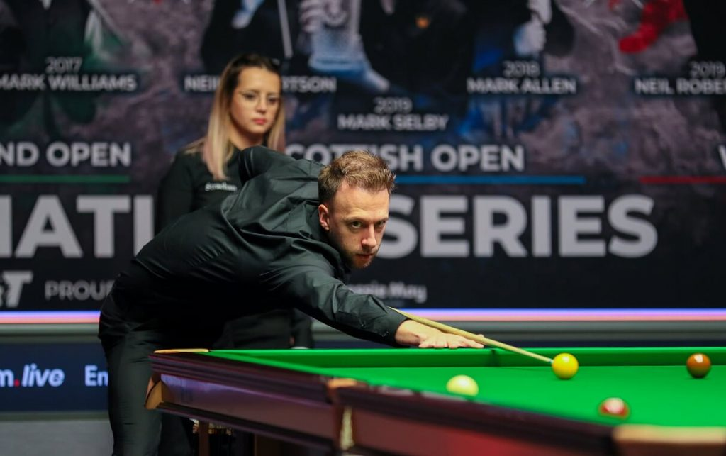 TRUMP BEATS ROBERTSON IN FANTASTIC FINAL